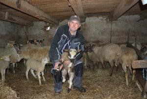 Miloš Šmíro. Chovateľ oviec vo Vlachove prehovoril opastierstve.