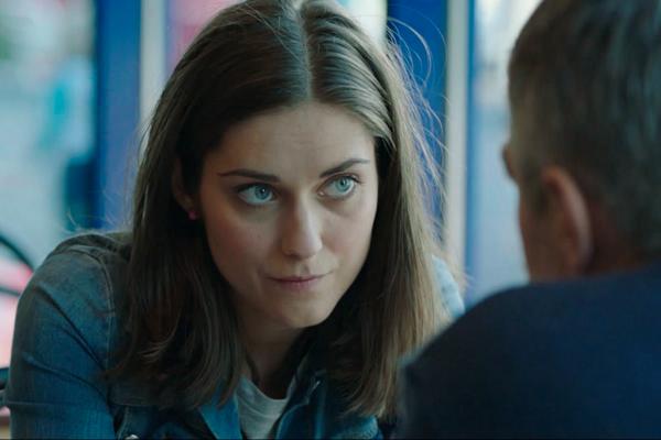 Vo filme OUT hrá Judit Bárdos.