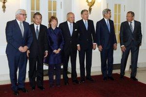 Ministri zahraničia, ktorí sa zúčastnili rokovaní.