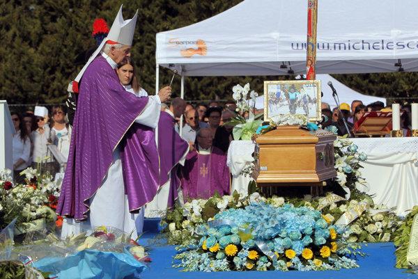 Pohreb talianskeho cyklistu Scarponiho.