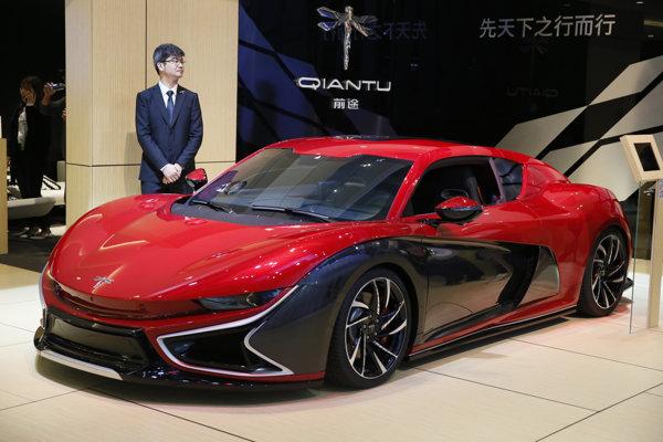 Elektromobil Qiantu na autosalóne v Šanghaji.