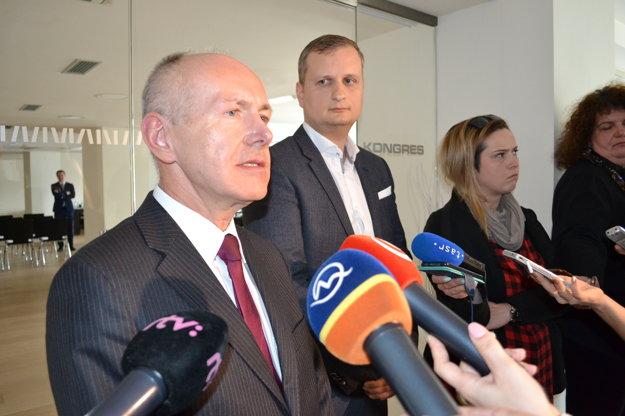 Ivo Bezloja (vľavo).Akcionár Nexis Fibers verí, že sa s Chemesom na cene energií dohodnú.