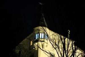 Arkier komnaty Márie Séči je z vonkajšej časti hradu výraznou dominantou.