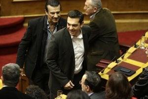 Alexis Tsipras opúšťa parlament po neúspešnej voľbe prezidenta.