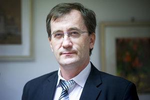 Jozef Bača je riaditeľ Domu Matice slovenskej v Bratislave a zriaďovateľom Súkromnej základnej školy s vyučovacím jazykom slovenským a ruským.