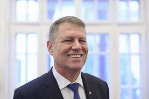 Novým rumunským prezidentom sa stane Klaus Iohannis, starosta 150-tisícového mesta Sibiu v Transylvánii, ktorý získal 55 percent hlasov.