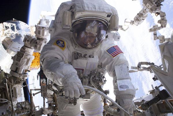 Povolanie, o akom sníva množstvo chlapcov. Astronauti, ktorí sa dostanú do vesmíru majú naozaj zaujímavé skúsenosti.