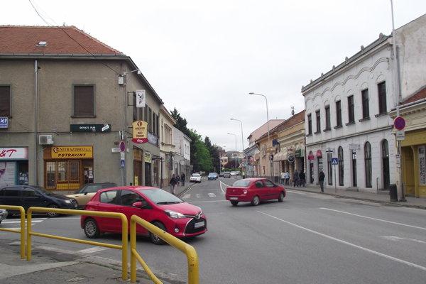 Mostná ulica v Nitre.