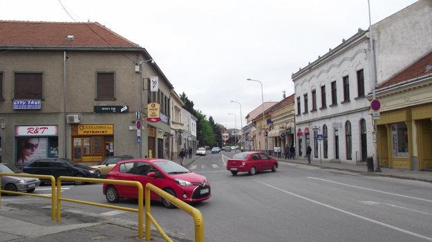 Jedna – dve nové kamery pribudnú na križovatke ulíc Mostná a Kmeťkova.
