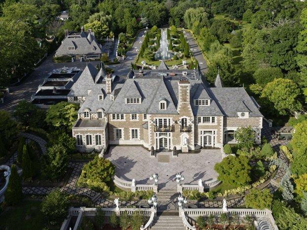 Sídlo v štýle Veľkého Gatsbyho. Klasické vily uprednostňuje Angelika Mročová.