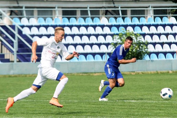 Matúš Bartošek strelil svoj 17. gól v sezóne a pomohol rezerve FC Nitra k cennému triumfu na ihrisku Imeľa.