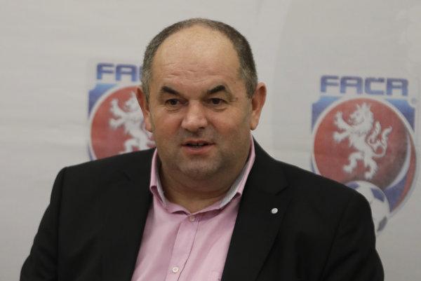 Bývalý šéf českého futbalu Miroslav Pelta je od júna vo väzení pre nezákonné rozdeľovanie štátnych dotácií.