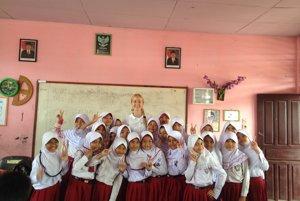 Šesť týždňov učila Natália Pavlovičová indonézske deti angličtinu.