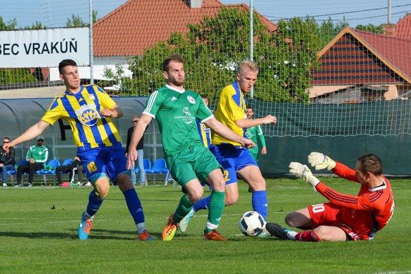 Futbalisti rezervy DAC-u v žitnoostrovnom derby porazili Veľký Meder 5:0.