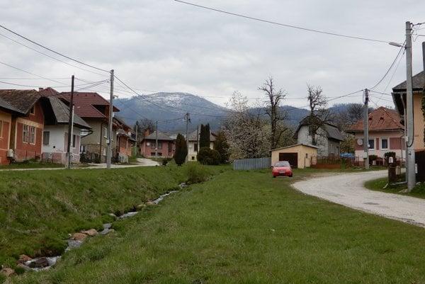 Obec Vlachovo.