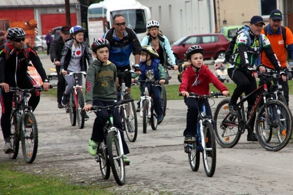 Cyklisti už do Simu dorazili.