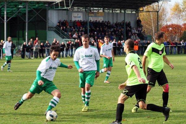 Vo Veľkého Cetíne budú hostiť tradičnú slávnosť na záver sezóny. Snímka je z jesenného zápasu s Vinodolom.