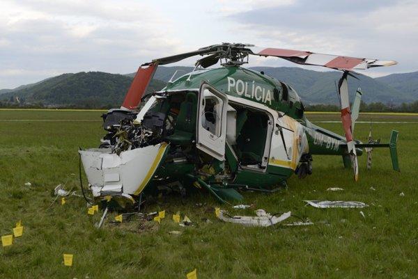 Havarovaný vrtuľník.