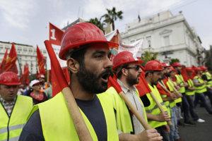 Protesty v Grécku proti novým úsporným opatreniam.