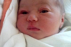 Prvým slniečkom v rodine Martiny a Antona z Rabčíc je ich dcérka. ELIŠKA STRÝČKOVÁ prišla na svet 1. mája, vážila 3550 g a merala 49 cm.