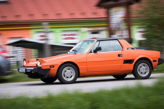 Auto Ľubomíra Schimika, ktoré získalo cenu riaditeľa podujatia.