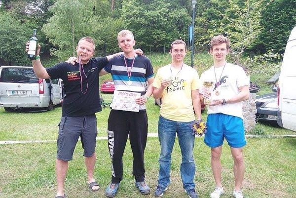 Víťazný tím Lednické kone  zľava Sádecký, Krajči, Luhový a Lednický