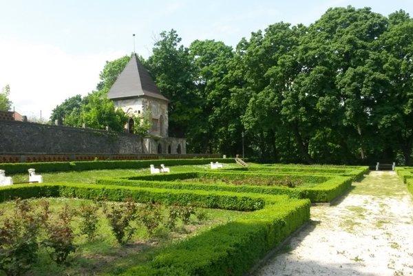 Zámocký park v Hlohovci.