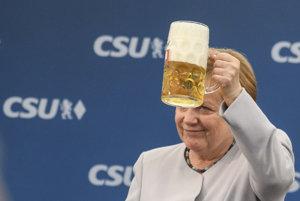 Európania musia vziať osud do vlastných rúk, vyzvala po G7 Merkelová