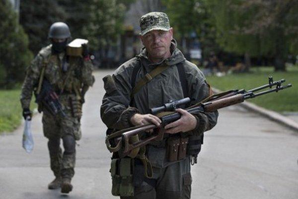 Proruskí separatisti na Ukrajine.
