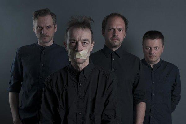 Na piesňach Ospalého pohybu sa podieľali Daniel Baláž, Martin Burlas, Pavol Hubinák a Peter Zagar.