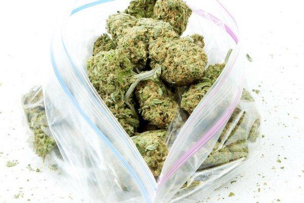 Unca (28 gramov) kvalitnej marihuany stojí v coloradskom obchode 180 dolárov.