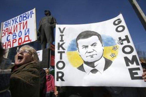 Ukrajinský exminister Eduard Stavyckij ušiel spolu s exprezidentom Viktorom Janukovyčom.