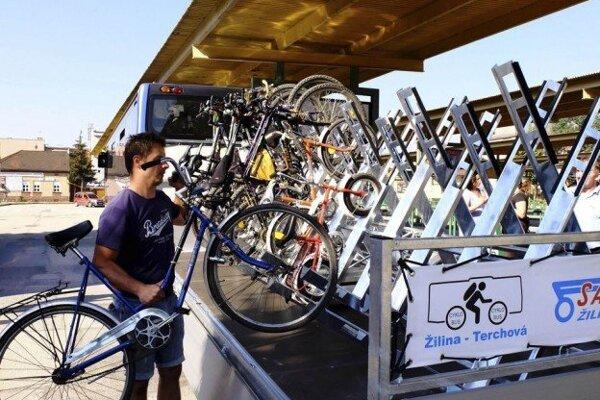 Trasu cyklobusu v smere na Terchovú cyklisti už využívajú niekoľko rokov. Teraz služby cyklobusu môžu využiť aj cyklisti v Turci.