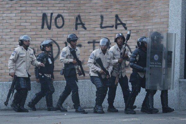 Proti svojim odporcom nasadila vláda v Caracase policajné zložky.