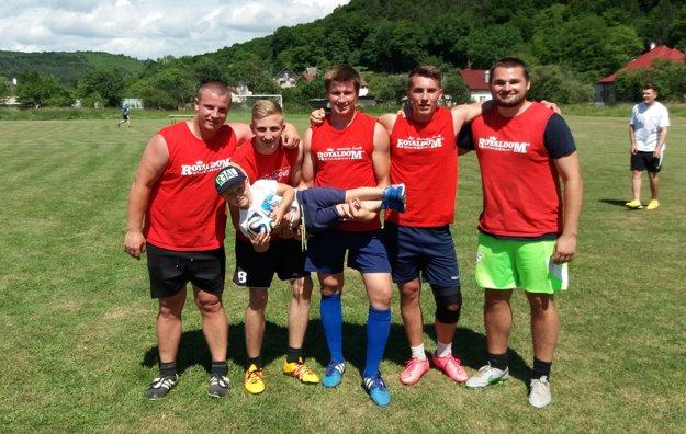 Víťaz turnaja v malom futbale Seki Team.