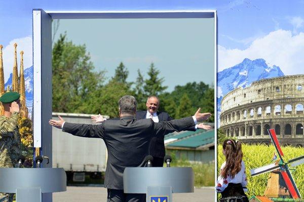 Prezident SR Andrej Kiska a prezident Ukrajiny Petro Porošenko počas stretnutia na hraničnom priechode Vyšné Nemecké - Užhorod pri príležitosti začiatku platnosti bezvízového styku Európskej únie s Ukrajinou.
