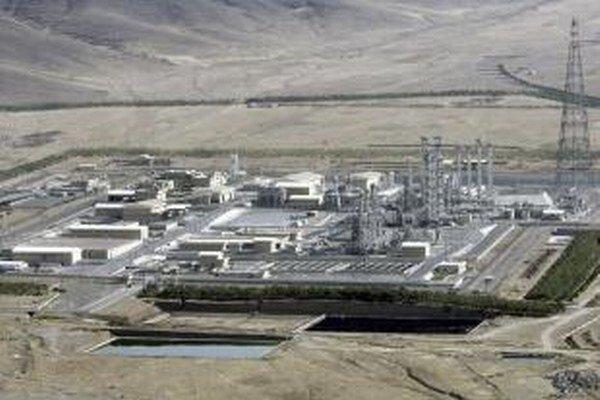 Elektráreň v iránskom meste Arak.