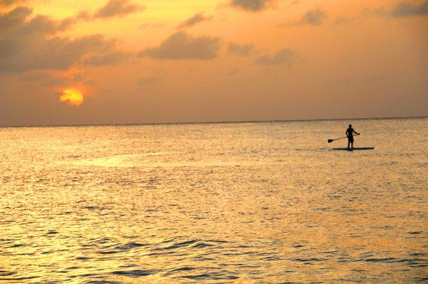 Paddleboarding je dostupný pre každého a ponúka nové zážitky.