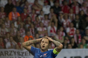 Na snímke Adam Zreľák (Slovensko) sa drží za hlavu po nepremenej šanci v zápase Poľsko - Slovensko na ME vo futbale do 21 rokov.