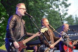 Známu kapelu Hex si prišlo vypočuť veľa ľudí.