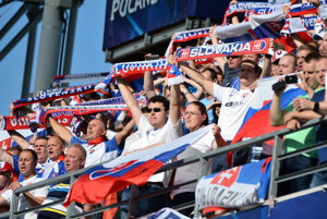 Na snímke slovenskí fanúšikovia počas zápasu A skupiny ME futbalistov do 21 rokov Slovensko - Anglicko.