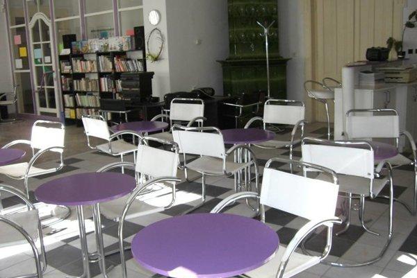 Čitáreň regionálnej knižnice obnovia.