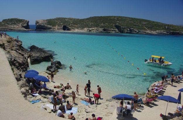 Modrá lagúna na ostrove Comino.