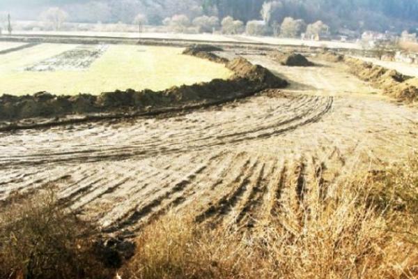 Jediné práce na úseku Turany – Hubová neďaleko Stankovian boli ešte vroku 2010. Foto: ARCHÍV OBCE