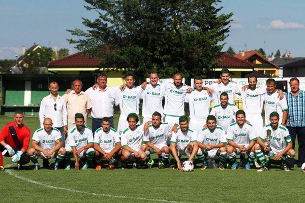 Futbalisti Veľkého Cetína sa v prvom zápase turnaja od 13.30 h stretnú s Rišňovcami.