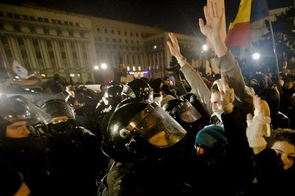 Pri protestoch v decembri 1989 prišlo o život takmer tisíc ľudí, než režim padol.  Teraz Rumuni protestujú opäť – proti vláde a korupcii.