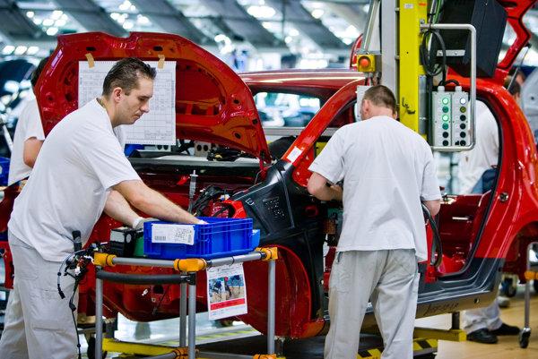 Po šiestich dňoch začne v pondelok ráno o 6.00 h opäť výroba v bratislavskom závode Volkswagenu.