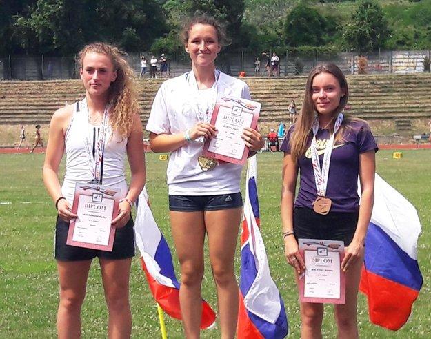 Len 14-ročná Paula Ácsová porazila aj oveľa staršie súperky.