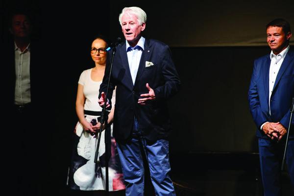 Emil Horváth na otvorení divadelného festivalu Dotyky a spojenia.