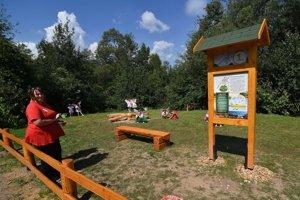 Náučný miniareál s názvom Na krídlach vážky v časti Podlesok v Národnom parku Slovenský raj neďaleko Hrabušíc počas otvorenia miniareálu.